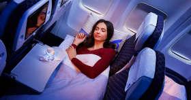 Как быстро заснуть в самолете и избавиться от дискомфорта во время полета