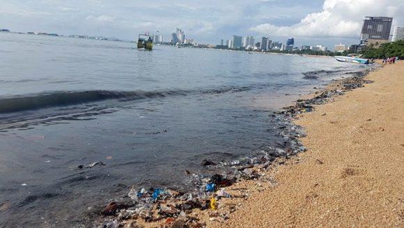 мусор на пляжах Паттайи