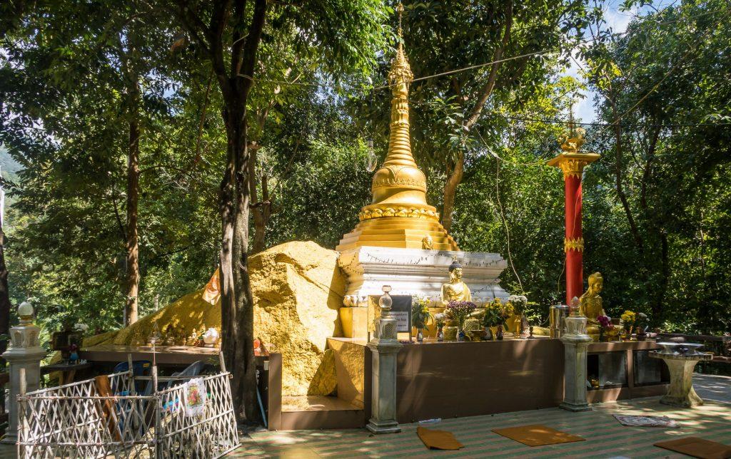 Wat-Paa-Sang-Tham Панган