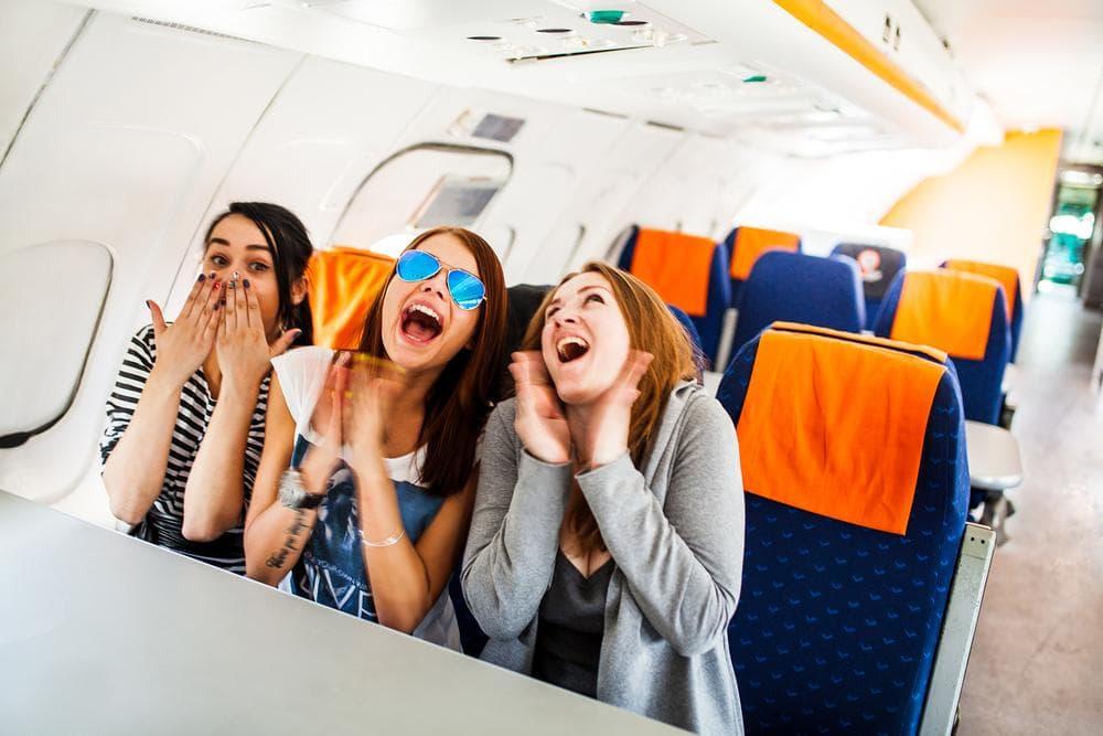 Какие вещи не стоит делать в самолете, если вы хотите спокойно долететь