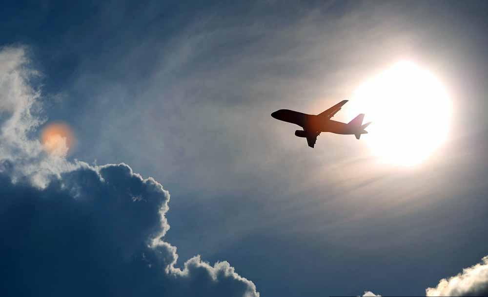 Самолет развернули на полпути