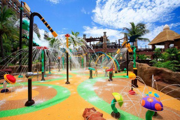 Centara-Grand-Mirage-Beach-Resort-Pattaya-Monsoon