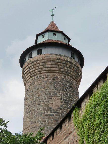 Крепость Кайзербург. Башня Зинвельтурм