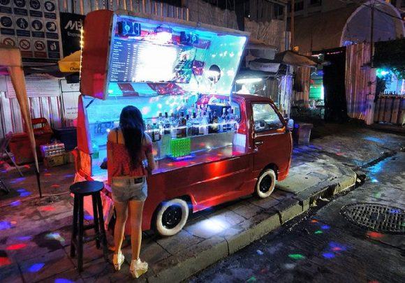 бар на колесах в Паттайе