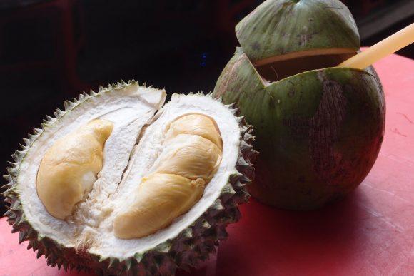 дуриан и кокосы вывозить запрещено