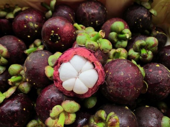 фрукт с твердым знаком